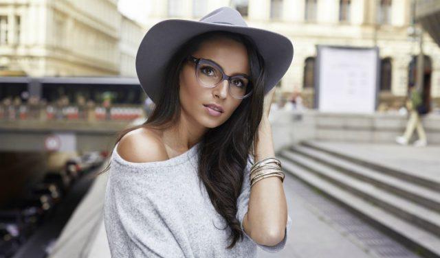 Dioptrické brýle jako součást podzimního outfitu