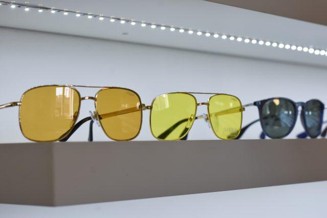 Jak si vybrat nejlepší sluneční brýle – musí vám slušet, ale také chránit oči