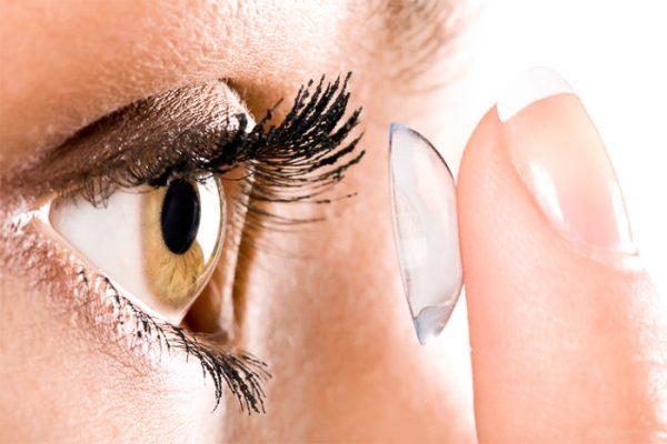 Vše, co jste kdy chtěli vědět o kontaktních čočkách